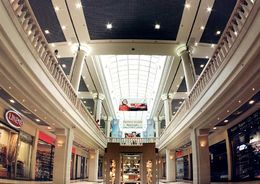 Объемы строительства торговых комплексов в Петербурге стремительно падают