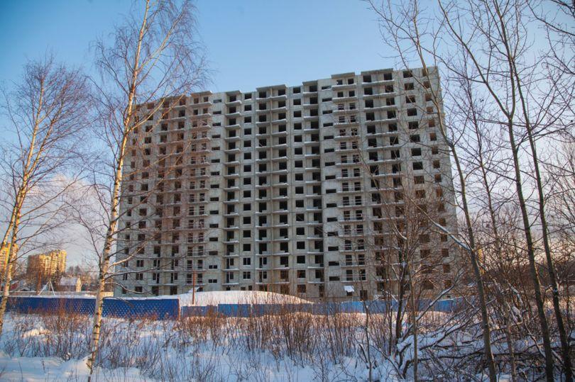 Недостроенный многоквартирный дом