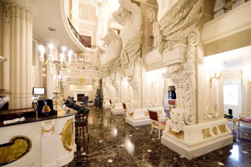 Отель Талеон