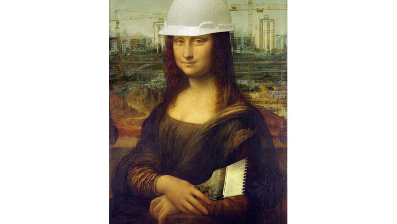 Мона в каске