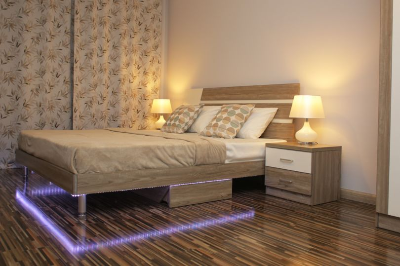 Спальня шоу-рума с функциями Умного дома