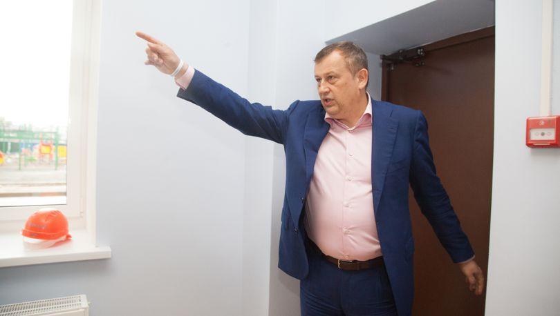 Дрозденко с перстом