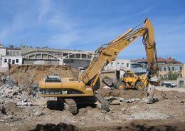 «Размах- Санкт-Петербург» демонтирует здание на Орловской