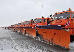 Для устранения последствий снегопада в Петербурге вышло 662 спецмашины