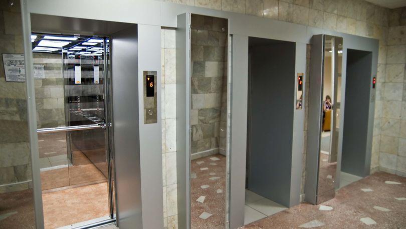 Законопроект, позволяющий кабмину утверждать нормы безопасности лифтов, принят в I чтении