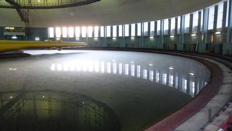 Тендер на достройку офшорного бассейна вновь не состоялся