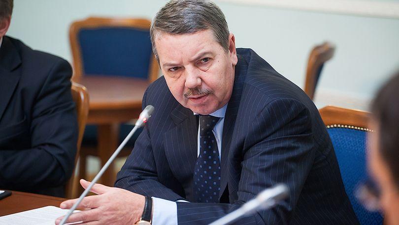 Александр Вахмистров провел первое совещание в новой должности