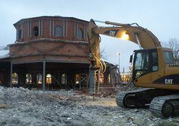 Снесена незаконная постройка в Рощинском сквере на Московском проспекте
