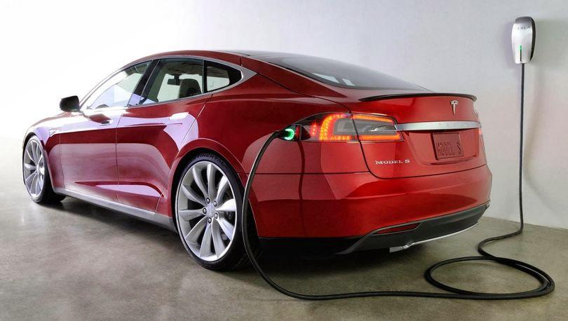 «Ленэнерго» заказывает заправки для электромобилей