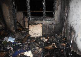 Из горящей квартиры в Купчино спасли женщину