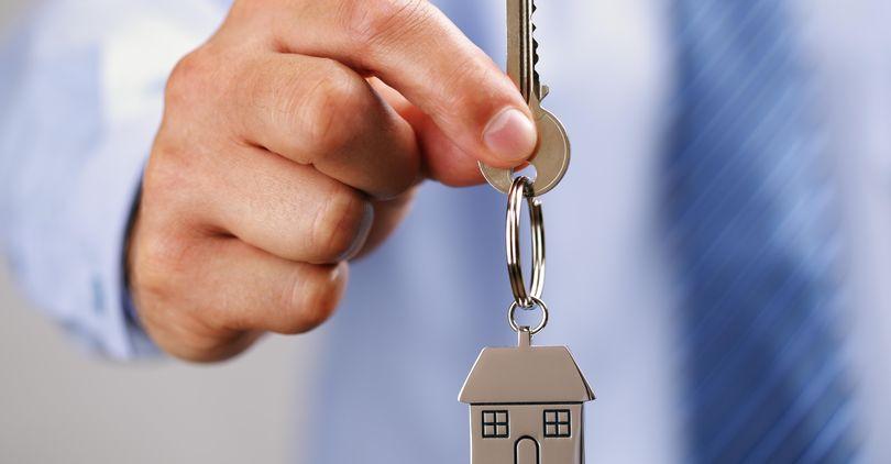 Мень: Бесплатную приватизацию жилья продлевать не будут