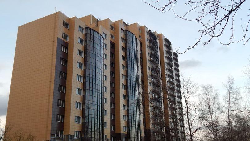 «Проблемный» дом в п. Металлострой введут в конце мая