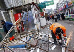 В Выборгском районе снесли 7 торговых павильонов