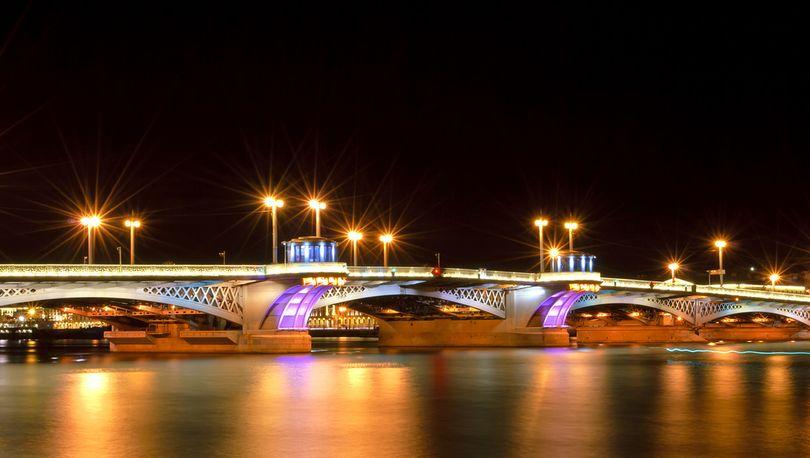Благовещенский мост ночью