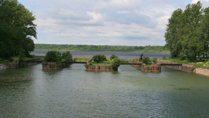 Через Староладожский канал построят мост