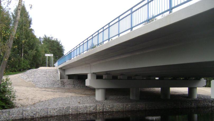 мост на трассе