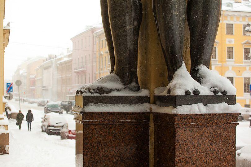 атланты снег