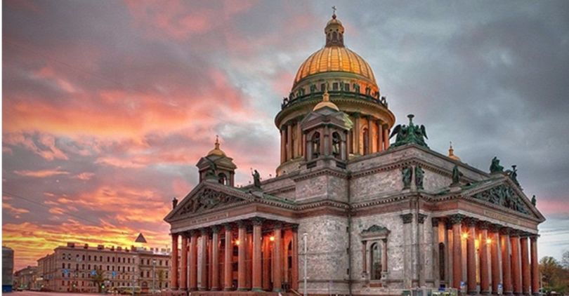 Николай Буров уходит споста директора Исаакиевского храма, передает «Фонтанка»
