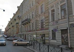 Жильцы дома на Рубинштейна через суд заставили бар снять кондиционеры