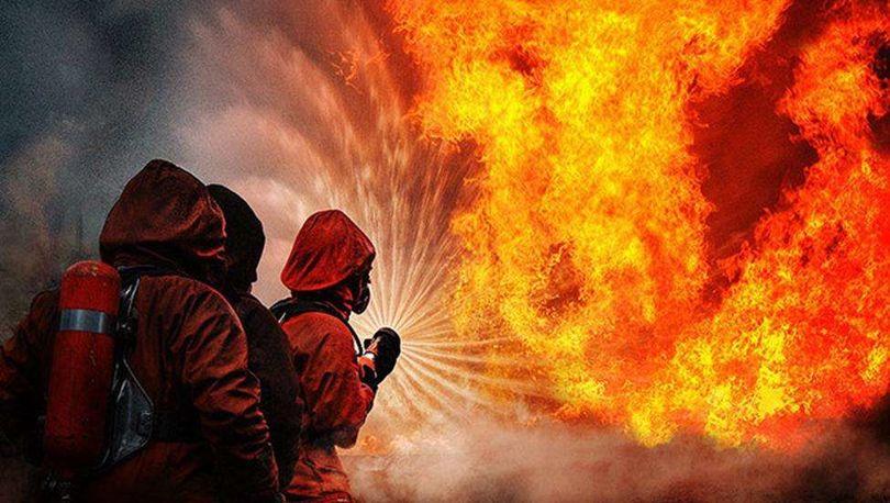 В Петербурге тушили пожар на лакокрасочном заводе