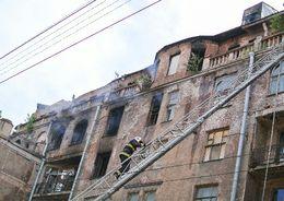 На Большой Пушкарской горел расселенный дом