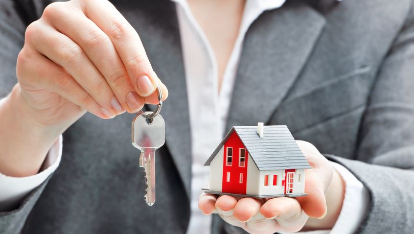 Закон о заверении всех форм перехода права на долю недвижимости одобрен СФ