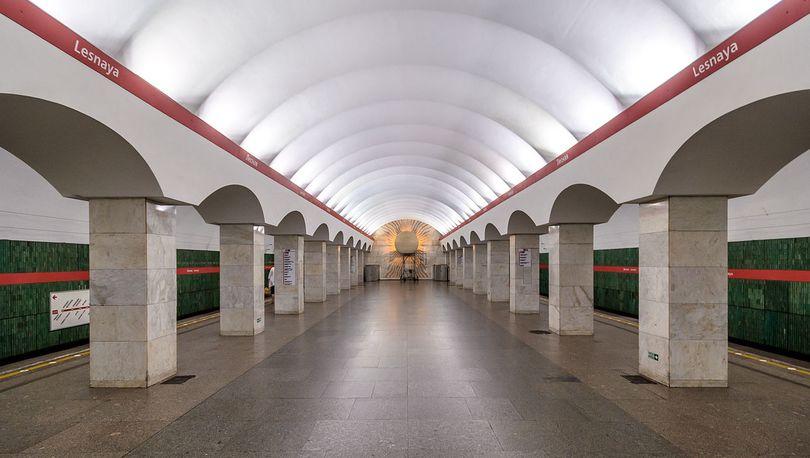 Станцию метро «Лесная» закроют на ремонт