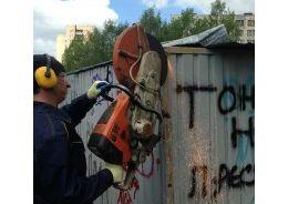 В Невском районе снесли незаконные гаражи
