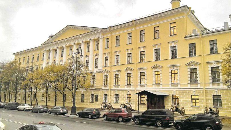 Здание Суворовского военного училища