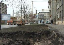 Подрядчиков оштрафуют за разрытые газоны
