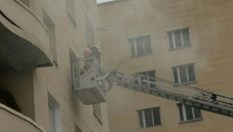 Двух человек спасли в ходе пожара на Руставели