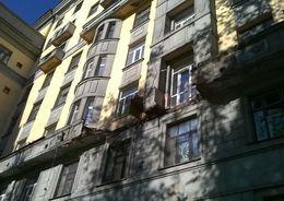 На Московском пр. обрушился балкон