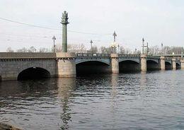 Движение по Каменноостровскому проспекту и Ушаковскому мосту закроют