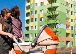 Молодым семьям разрешили гасить ипотеку за счет соцвыплат