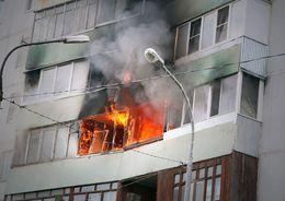 В Рыбацком тушили балкон