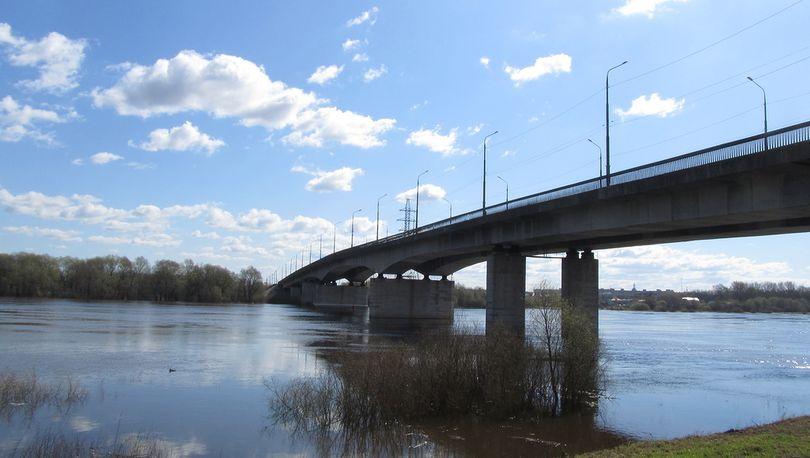 В Великом Новгороде отремонтируют мост через Волхов