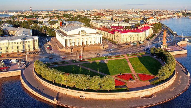 На сохранение памятников культуры в Петербурге в 2017 году потратят 2,2 млрд рублей