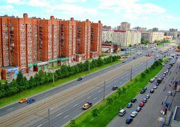 «Квадрат» в Петербурге за год подешевел на 1,4%