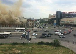 В Купчино загорелись производственные склады