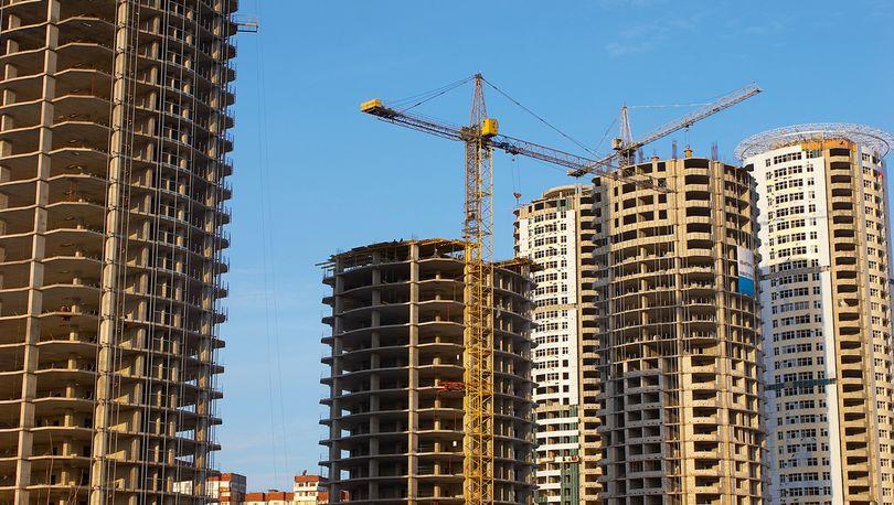 Петербург и Москва - города с самым дорогим жильем в РФ