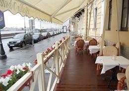 Полтавченко попросил КИО до 1 мая согласовать работу  летних кафе