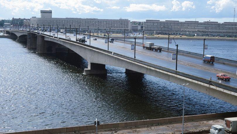 Мониторинг искусственных сооружений опробуют на мосту Александра Невского