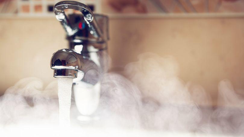 Роспотребнадзор: Вопрос о снижении температуры горячей воды потребителям будет обсуждаться