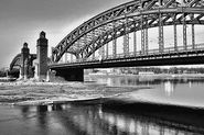 Движение по Большеохтинскому мосту четыре ночи будет закрыто