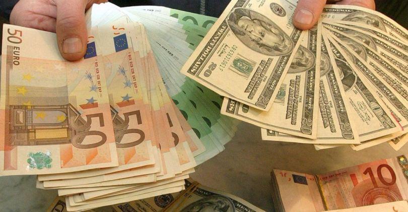 Доллар иевро показали рост нафоне снижения цен нанефть