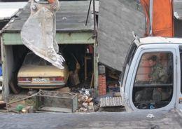 На ул. Беринга демонтировали гаражи