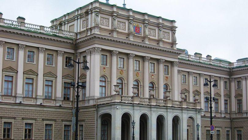 ЗакС принял бюджет Петербурга