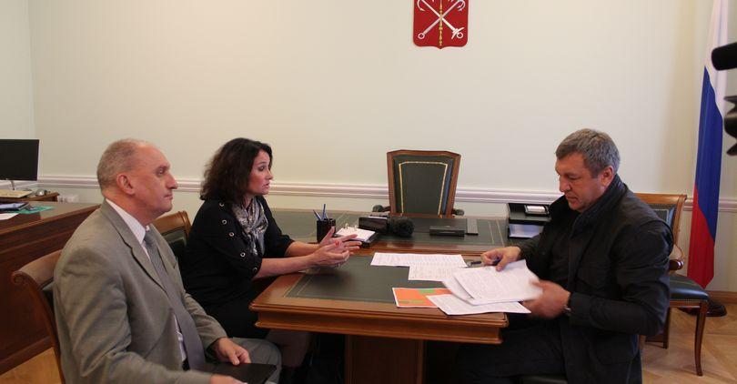 Председатель ТСЖ пожаловалась Албину на проблемы с теплосетями