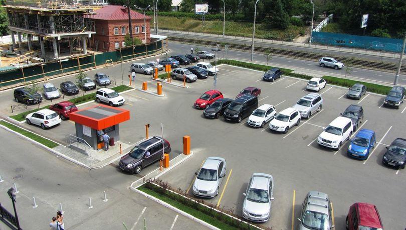 Перехватывающие парковки у «Ладожской» и «Пл. Александра Невского» готовят к открытию