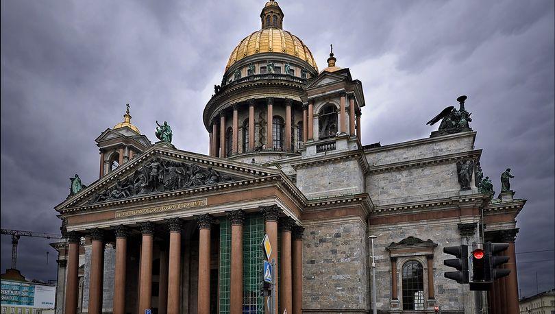 ЗакС попросил Мединского ускорить передачу Исаакиевского собора РПЦ